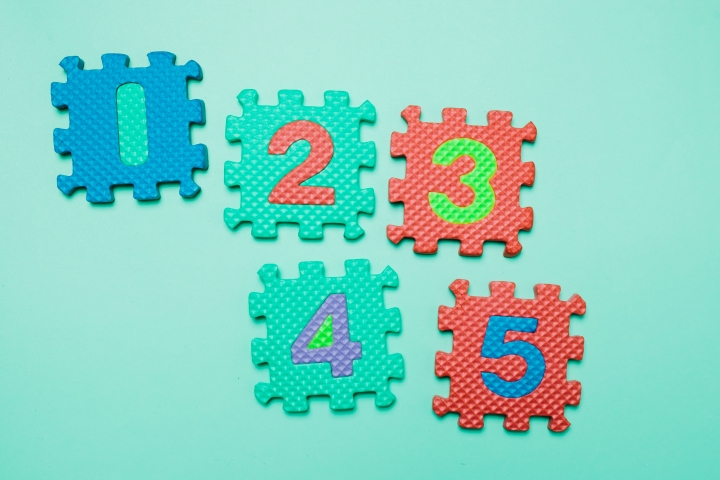 Играчки за деца на 18-24месеца